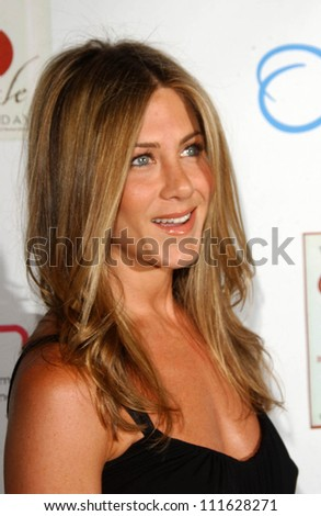 Jennifer Aniston at a party celebrating the books written by Laura Day. One Sunset, West Hollywood, CA. 06-19-07