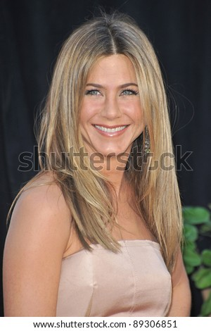 """Jennifer Aniston at the world premiere of her new movie """"The Switch"""" at the Cinerama Dome, Hollywood. August 16, 2010  Los Angeles, CA Picture: Paul Smith / Featureflash"""