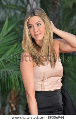 "Jennifer Aniston at the world premiere of her new movie ""The Switch"" at the Cinerama Dome, Hollywood. August 16, 2010  Los Angeles, CA Picture: Paul Smith / Featureflash"