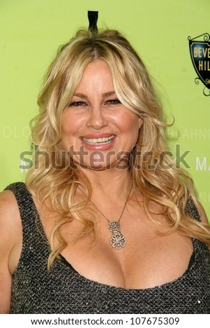 Jennifer Coolidge   at the Rodeo Drive Walk of Style Award Gala. Rodeo Drive, Beverly Hills, CA. 09-25-08