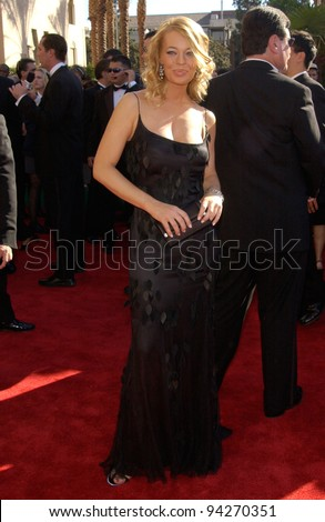 JERI RYAN At The 2002 Emmy Awards In Los Angeles 22SEP2002 Paul