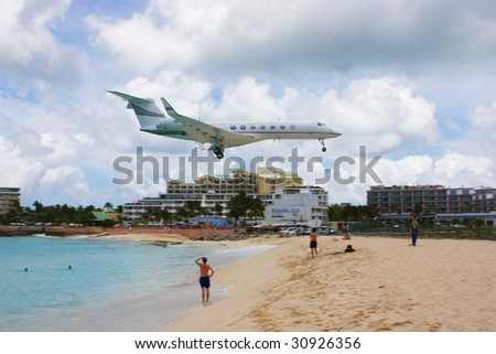 Jet landing at Maho Beach, St. Marteen