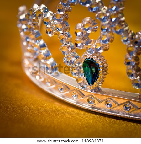 jeweled crown made �¢??�¢??of plastic