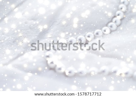 Jewelry branding, elegance and sale concept - Winter holiday jewellery fashion, pearl necklace on fur background, glamour style present and chic gift for luxury jewelery brand shopping, banner design #1578717712
