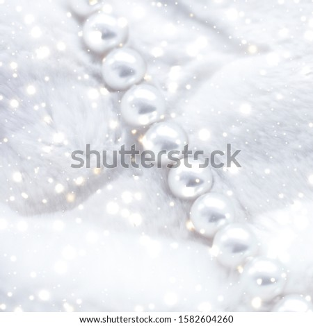 Jewelry branding, elegance and sale concept - Winter holiday jewellery fashion, pearl necklace on fur background, glamour style present and chic gift for luxury jewelery brand shopping, banner design #1582604260
