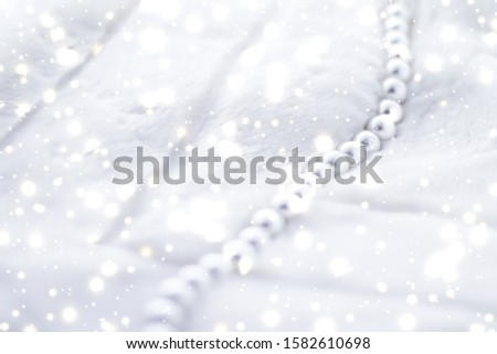 Jewelry branding, elegance and sale concept - Winter holiday jewellery fashion, pearl necklace on fur background, glamour style present and chic gift for luxury jewelery brand shopping, banner design #1582610698