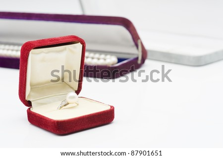 Jewelry image of the white background