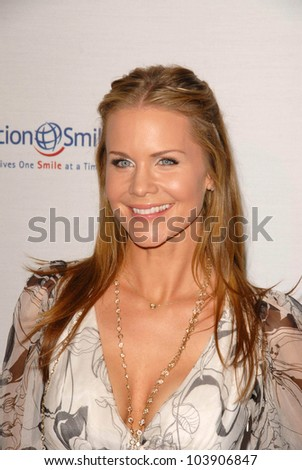Josie Davis at Operation Smile's 8th Annual Smile Gala. Beverly Hilton Hotel, Beverly Hills, CA. 10-02-09