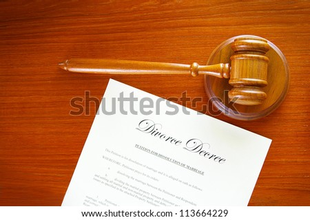 judges gavel and a divorce decree document