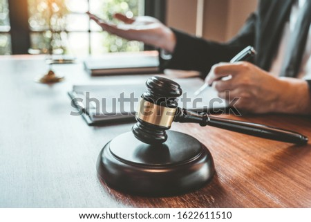 Judges male lawyers Consultation of businessmen legal services Consulting in regard to the various contracts to plan the case in court.