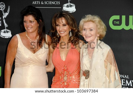 Julie Hanan Carruthers with Susan Lucci and Agnes Nixon at the 36th Annual Daytime Emmy Awards. Orpheum Theatre, Los Angeles, CA. 08-30-09