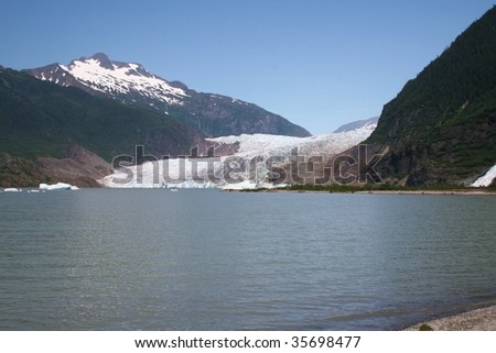 Juneau Alaska's Mendenhall glacier