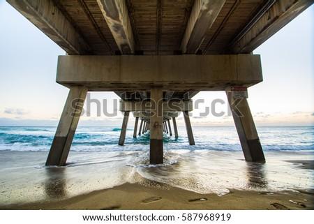 Juno Beach Pier Sunrise, Florida #587968919