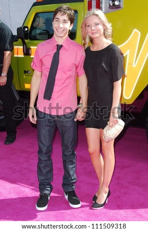 Justin Long and Kaitlin Doubleday arriving at the 2007 MTV Movie Awards. Gibson Amphitheatre, Universal City, CA. 06-03-07