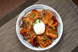 Kakuni-don (bowl of rice topped with braised pork belly)