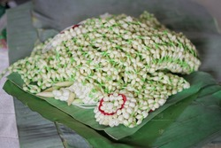 Kantil flower or young jasmine, is one of the accessories that must be worn by traditional Javanese brides