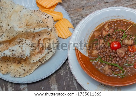 Kaokab on dish and ma hae curry on bowl ,Northern Thai food,Tak Thailand. Stok fotoğraf ©