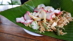 Karedok one of the typical Sundanese food in Indonesia. Karedok is made with raw vegetable ingredients, including; cucumber, bean sprouts, cabbage, long beans, sweet potatoes, basil leaves.