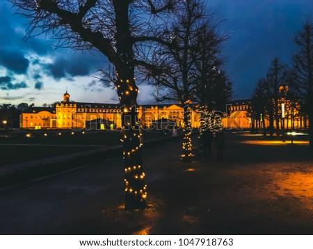 Karlsruhe Schloss Nacht Weihnachten Stock foto ©