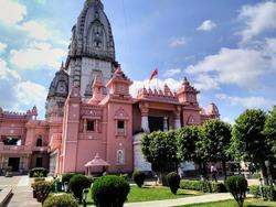 Kashi Vishwanath Temple which is located in Banaras Hindu Vishvavidyalay Varanasi.