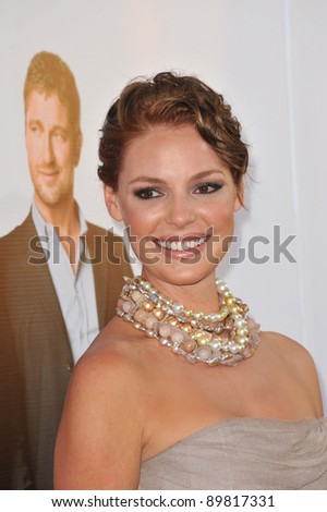 """Katherine Heigl at the premiere of her new movie """"The Ugly Truth"""" at the Cinerama Dome, Hollywood. July 16, 2009  Los Angeles, CA Picture: Paul Smith / Featureflash"""