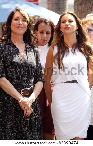 Katy Segal, Sofia Vergara at the Ed O'Neill Hollywood Walk Of Fame Induction Ceremony, Hollywood, CA. 08-30-11