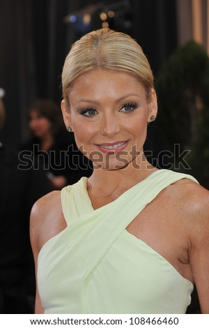 Kelly Ripa at the 84th Annual Academy Awards at the Hollywood & Highland Theatre, Hollywood. February 26, 2012  Los Angeles, CA Picture: Paul Smith / Featureflash