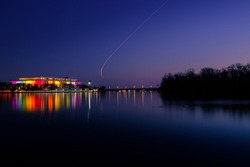 Kennedy Center lights up the Potomac River