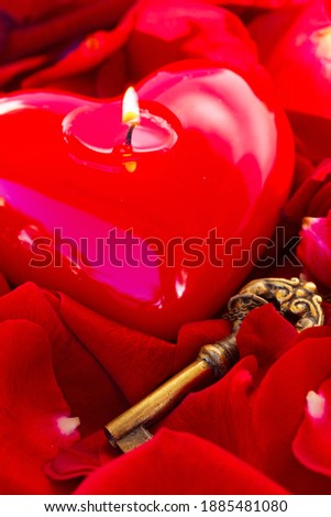 Key with the burning candle heart as a symbol of love, Foto stock ©