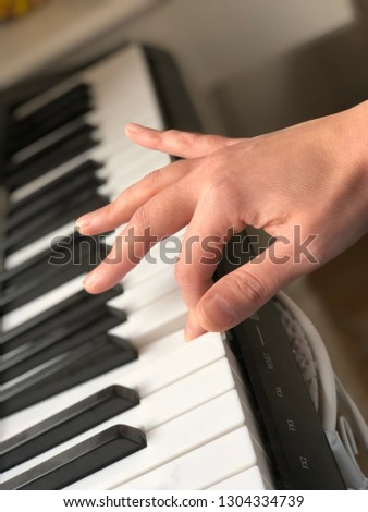 Keyboard Instrument Hand #1304334739