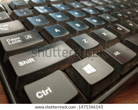 Keyboard is a hardware (hardware) on a computer that serves as a tool for inputting data in the form of letters, numbers and symbols. #1471346543