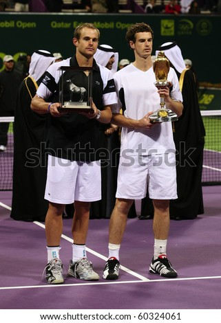 KHALIFA TENNIS COMPLEX, DOHA - JANUARY 10: Victor Andy Murray (R) and runner-up Andy Roddick at the award ceremony on Jan 10, 2009 in Doha. The 2011 tournament will start on Jan 3.