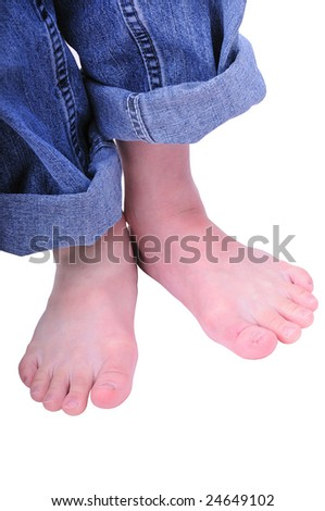 kid fashion-kid wear the blue jean with bare foot