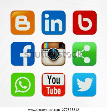 KIEV, UKRAINE - MAY 03, 2015: Icons popular social networking applications. #277875812