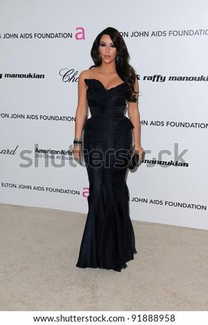 Kardashian Foundation on Photo   Kim Kardashian At The 19th Annual Elton John Aids Foundation