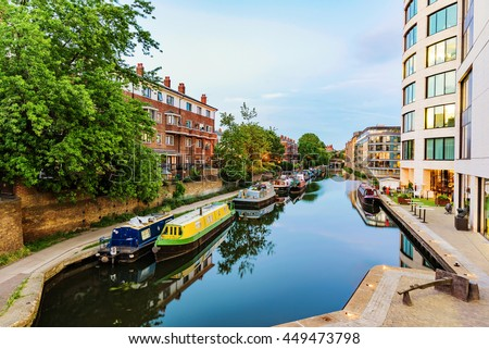 Kings cross canal in the evening with boats