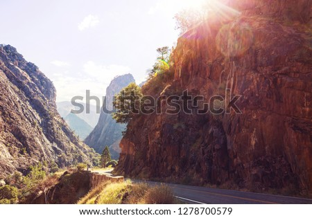 Kings River Canyon in Kings Canyon and Sequioa National Park. California. USA