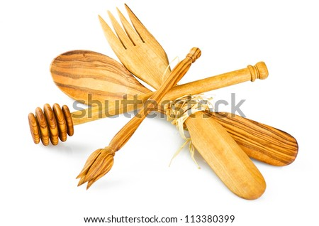 kitchen utensils in olive wood on white-2