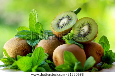 Kiwis and aromatic herbs.