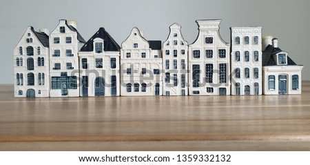 KLM Bols Miniature Dutch Blue Delft houses