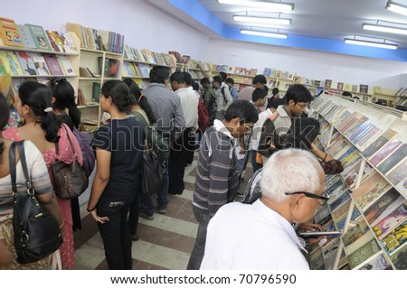 KOLKATA- FEBRUARY 4: Crowd of all ages at the stall of Ananda Publisher  during the 2011 Kolkata Book fair  in Kolkata, India on February 4, 2011.