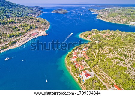 Korcula island. Bay entrance of Vela Luka aerial view, archipelago of southern Dalmatia, Croatia Foto stock ©