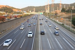 Korea's congested outer highway landscape