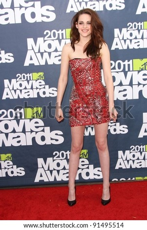 Kristen Stewart at the 2011 MTV Movie Awards Arrivals, Gibson Amphitheatre, Universal City, CA. 06-05-11