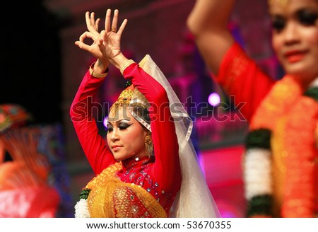 KUALA LUMPUR, MALAYSIA - MAY 21 : Participant performs a traditional Indian dance during the rehearsal of Colours of Malaysia Festival May 21, 2010 in Kuala Lumpur Malaysia.