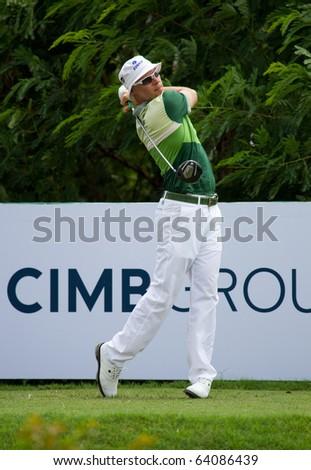 KUALA LUMPUR, MALAYSIA - OCTOBER 31:  American Ben Crane tees of on 10th on Day 4 of the CIMB Asia Pacific Golf Classic on October 31, 2010 in Kuala Lumpur, Malaysia. Crane won the tournament