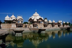 Kusum Sarovar, one of the earthen ponds is part of the rich history of India. Located on the Govardhan hill between Radha Kund and Govardhan hill, this one lies in the Mathura district.