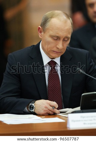 KYIV - OCT 27: Russian Prime Minister Vladimir Putin during a work visit, in the club Cabinet of Ministers, October 27, 2010 in Kyiv, Ukraine.