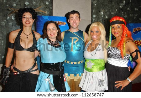 L-R Basura, Hygena, Parthenon, Ms. Limelight, and Braid at the \