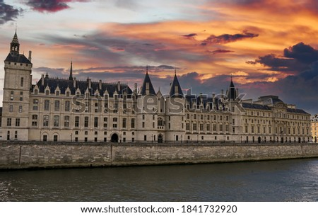 La Conciergerie a sunset in Paris Photo stock ©